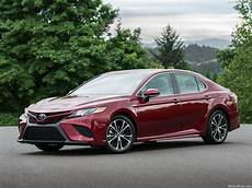 2018 Toyota Camry Hazard Lights 2018 Camry First Photos Review And Light Page 3