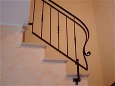 corrimano ferro battuto per scale interne passamano in ferro battuto per scale interne terminali