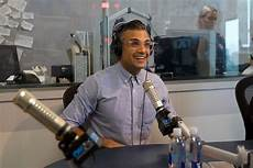 At40 Chart Store Jaime Camil Teases What S In Store For Rogelio On