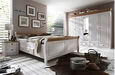 schlafzimmer massivholz landhausstil massivholz nachttisch nachtschrank nachtkommode kiefer
