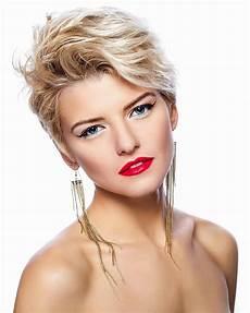 kurzhaarfrisuren damen blond bilder elegante kurzhaarfrisur schicke kurzhaarfrisuren