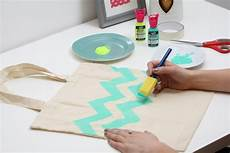 how to fabric paint a tote bag hobbycraft