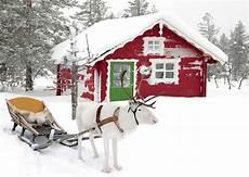Malvorlage Haus Mit Schnee Wei 223 E Rentiere Mit Schlitten Stehen Vor Rotem Haus Im