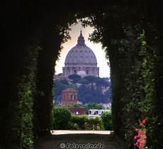 giardino degli aranci roma serratura dal buco della serratura porta dei cavalieri di malta
