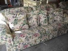 400 floral sofa sleeper loveseat like new just