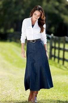 feminine modesty can be fashionable