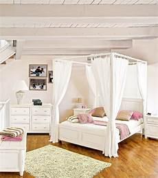 letto baldacchino legno letto a baldacchino bianco mobili etnici provenzali