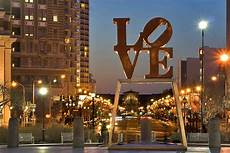 Park In Philly With Lights Love Park Philadelphia Love Park At Night Shawn