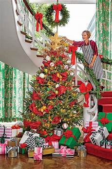 How To Wrap A Large Tree With Christmas Lights New Ideas For Christmas Tree Garland Southern Living