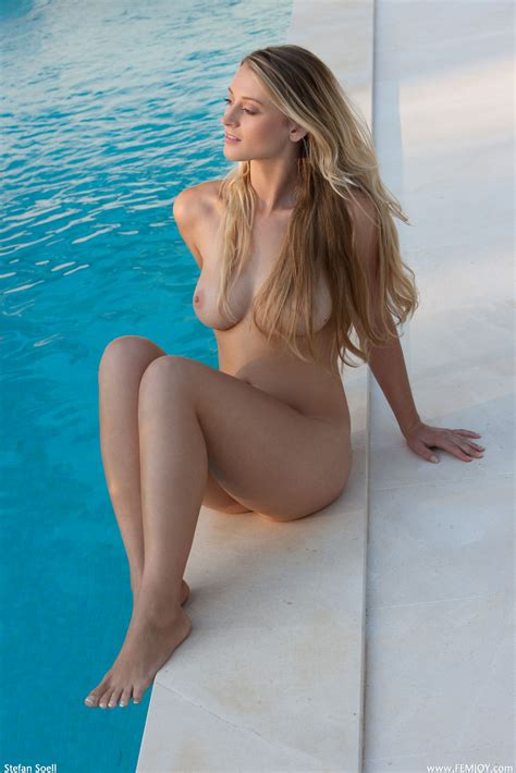 Nude Tiny Titted Babes Pics