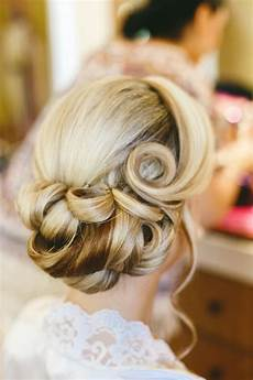 17 of the prettiest wedding hairstyles for 2017 brides