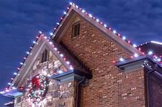 Ways To Hang Christmas Lights How To Hang Christmas Lights On Gutters