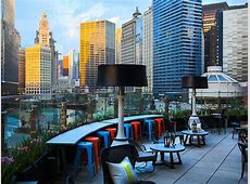 22 Best Rooftop Bars in Chicago for Outdoor Drinking