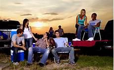 Friday Night Lights Tami Knows Best Friday Night Lights Season 3 Best Movies Amp Tv Shows
