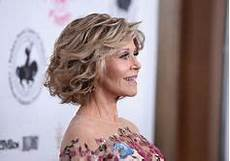 fonda curled out bob hairstyling 101 anti aging fonda hair grace and frankie search