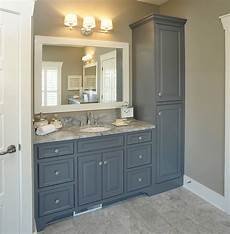 mullet cabinet spacious master bath