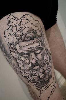 kranium tatovering healed sketchy statue