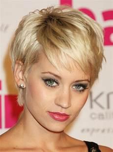 kurzhaarfrisuren blond dickes haar 30 magnificent haircuts for thick hair creativefan