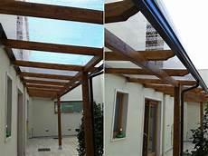 policarbonato per tettoie tettoia con copertura in lastre di policarbonato compatto