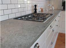 Bänkskivor av Ölandssten, som är en svensk kalksten, är populära i kök på grund av dess goda