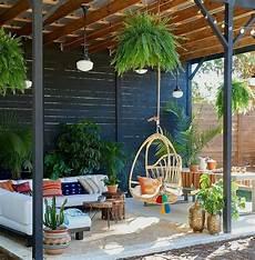 plantas penduradas ao ar livre a imagem pode conter planta mesa 225 rvore e atividades ao
