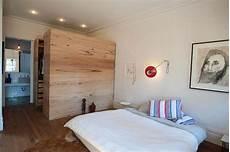 begehbarer kleiderschrank schlafzimmer begehbarer kleiderschrank im schlafzimmer aus australien
