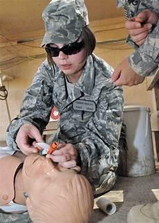 Air Force Flight Medics Army Medics Train Troops At U S Base In Iraq Gt U S Air