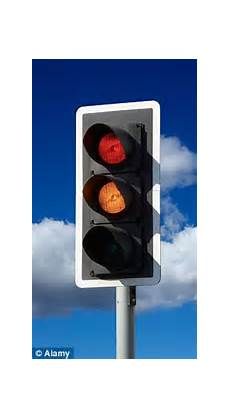 Cost Of Roundabout Vs Traffic Light Increase In Traffic Signals Roadjunctions