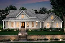 Home Design And Style Farmhouse Style House Plan 3 Beds 2 5 Baths 2282 Sq Ft