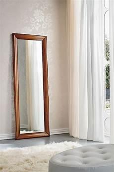 specchio da letto prezzi 15 modelli di specchi da terra in stile classico