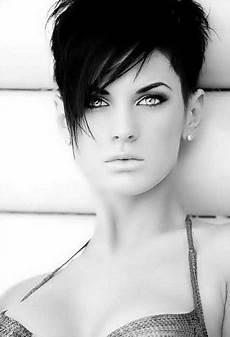 kurzhaarfrisuren damen bilder dunkel kurze schwarze haare