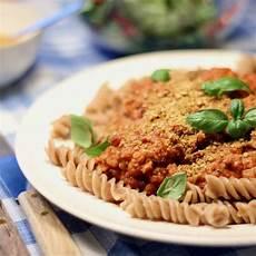 vegansk pasta vegansk pasta bolognese umamirama