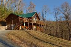 gatlinburg cabin rentals gatlinburg cabin rental of luxury 12 8 bedroom