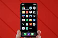 things iphone x wallpaper the most annoying things about apple s apology for slowing