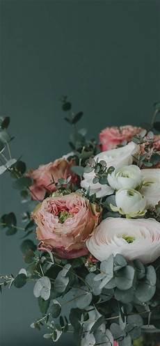 flower arrangements iphone wallpaper pink and white flower arrangement iphone x wallpapers free