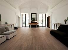foyer teatro teatro wood tile flooring