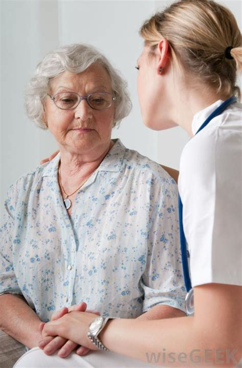 how do i become a geriatric care manager with pictures