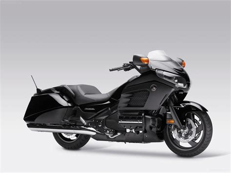honda goldwing honda gold wing f6b 2014 bike picture 01 of 4