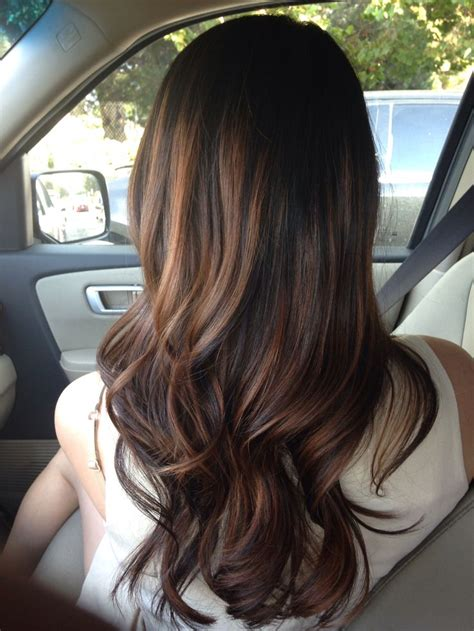 highligjted mahogany hair 25 best ideas about mahogany highlights on pinterest