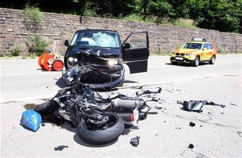T Dlicher Motorradunfall A5 by Motorradfahrer Stirbt Nach Unfall Auf Der B 294 Foto