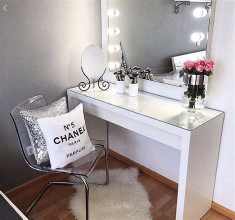 makeup table in bedroom 25 best ideas about chanel room on pinterest chanel