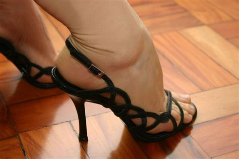 wearing high heels the top 6 mistakes when wearing high heels