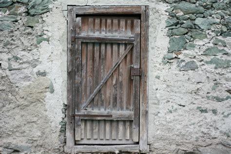 photo  wooden door construction door entrance