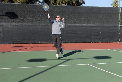 swinging volley tennis the contact swing volley one minute tennis lesson
