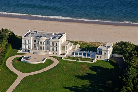 Hamptons Homes Interiors by Mansion Along The Coast 101 Lily Pond Ln Aerial New