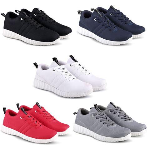 sepatu sneakers kets dan kasual pria bisa untuk jalan