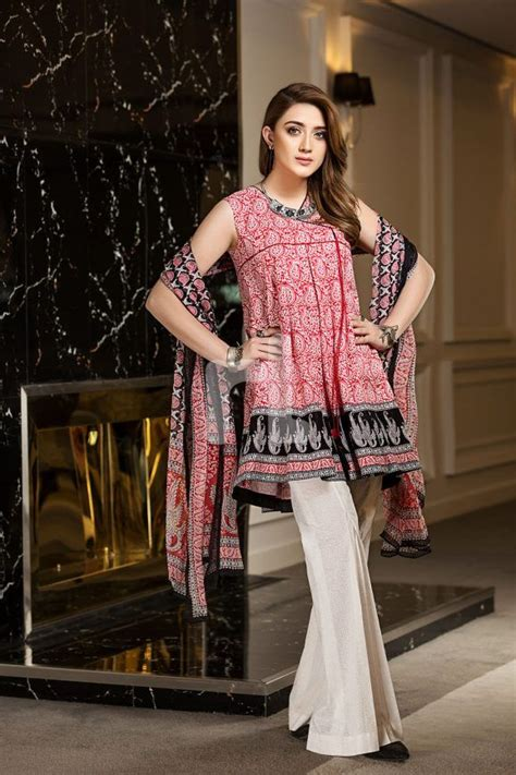 nishat linen spring summer collection   lawn