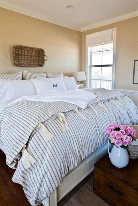 cozy  inviting farmhouse bedrooms comfydwellingcom