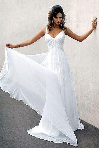 Flowing Wedding Dresses by Best 25 Flowing Wedding Dresses Ideas On
