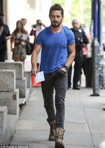 Tshirt Nike Before Pople shia labeouf was banned from la restaurant for